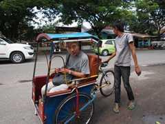 自転車タクシー(ベチャッ)にも挑戦