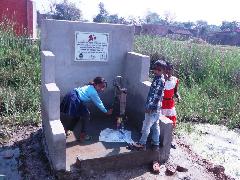 小学校に完成した手洗い場