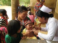 子どもたちを病気から守るため、予防接種を推進しています