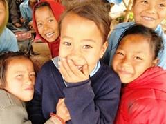 カルパチョウク村の子どもたち