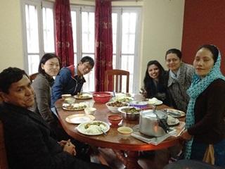 ネパール事務所のある日のランチ風景