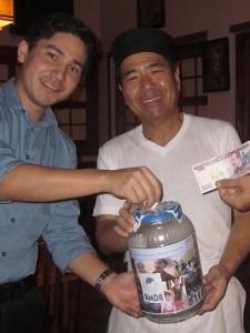 写真1)「宇佐美」オーナーさんと息子さん