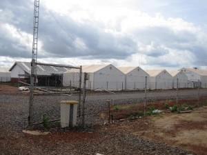 郊外にある旧エボラ治療センター、現在は県保健局の施設として使われている