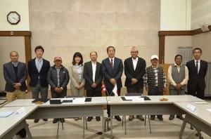 契約署名式には対象地の住民代表も参加しました