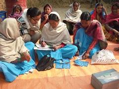 母親グループによる貯蓄活動の様子