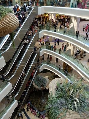 春にオープンしたばかりのショッピングセンター