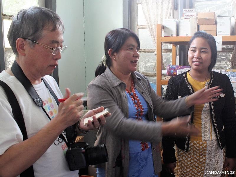 薬品棚を寄贈した診療所で活用状況をインタビュー